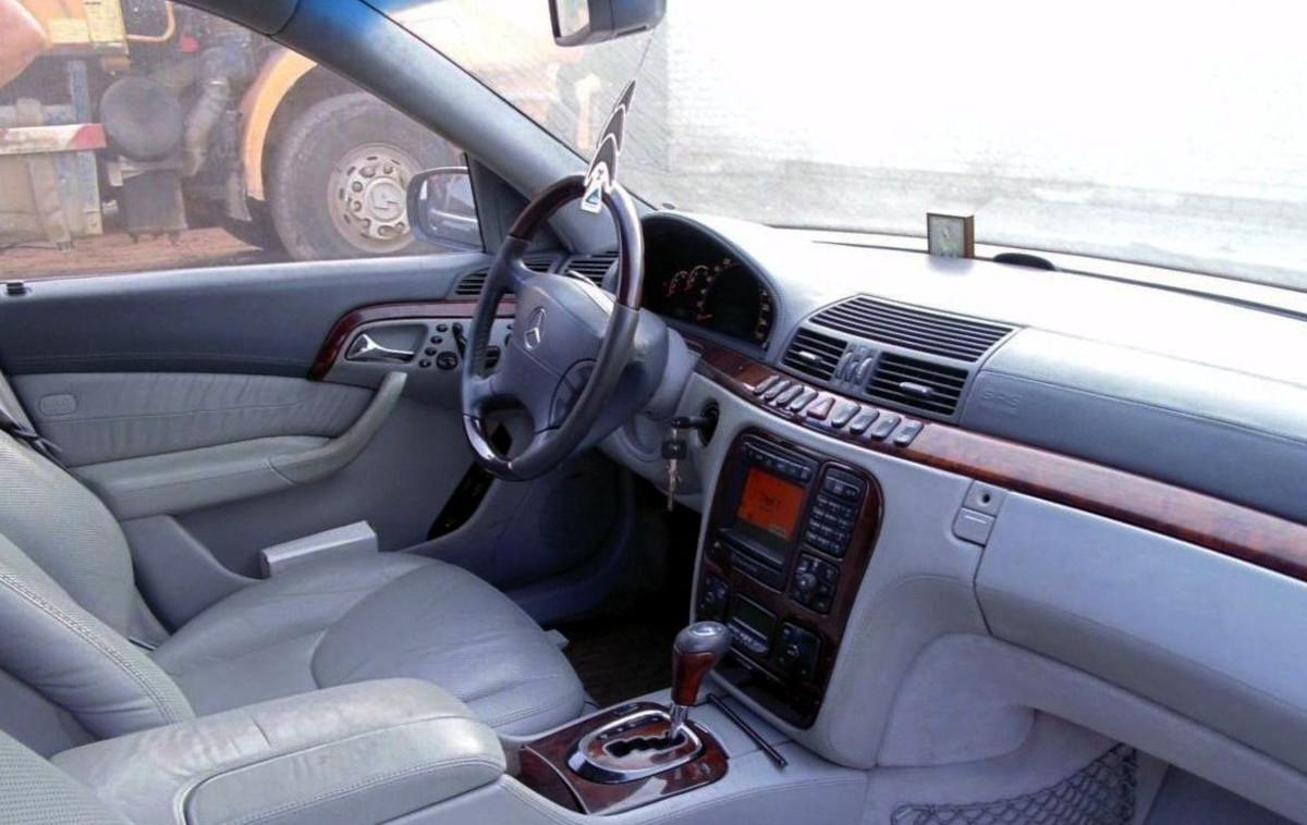 1_Mercedes-Benz_S-klasse_IV_W220