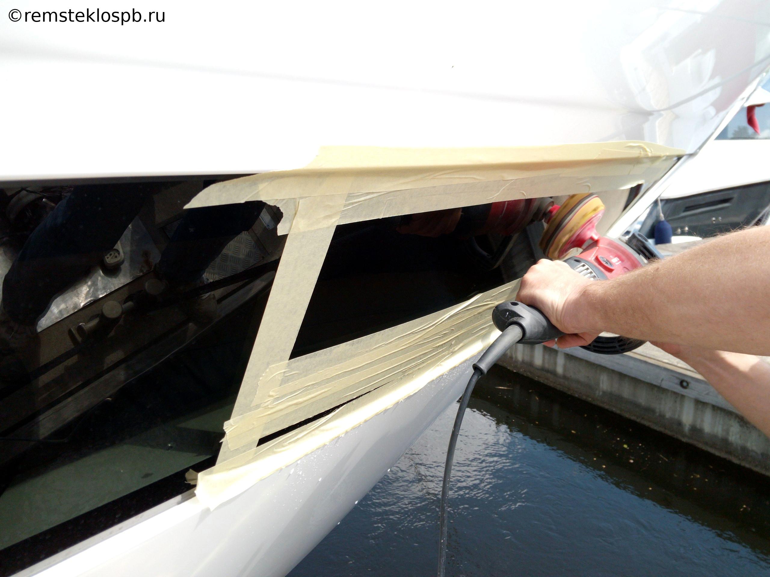 Полировка стекла на яхте PRINCESS Y88