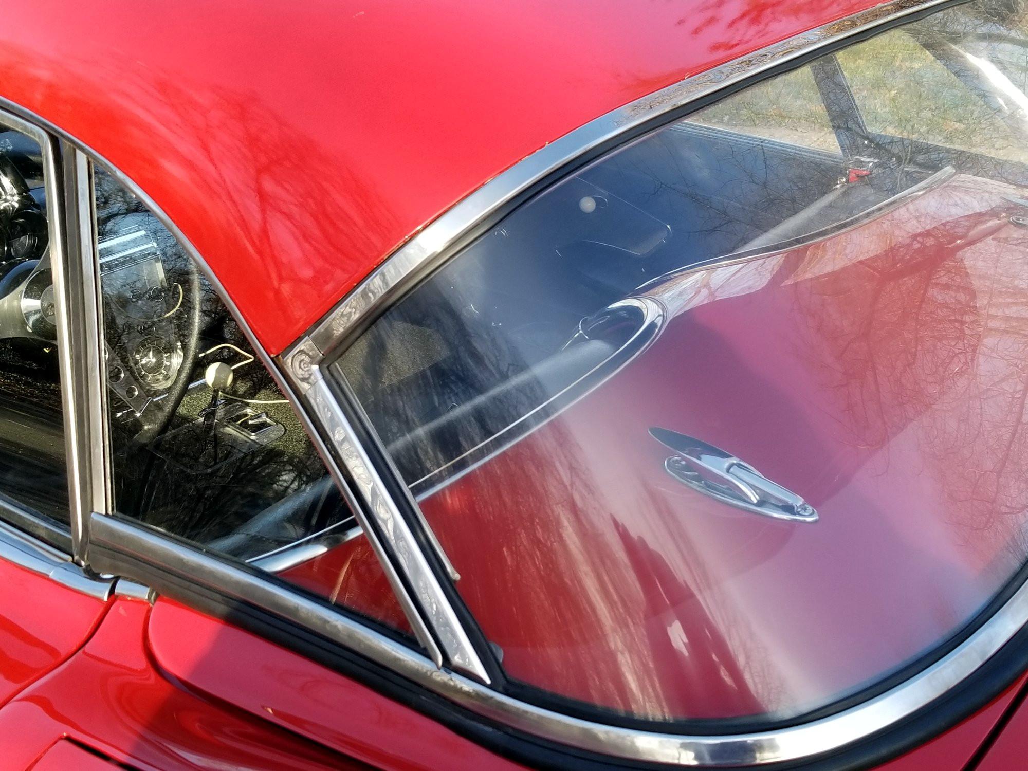 Полировка заднего стекла автомобиля