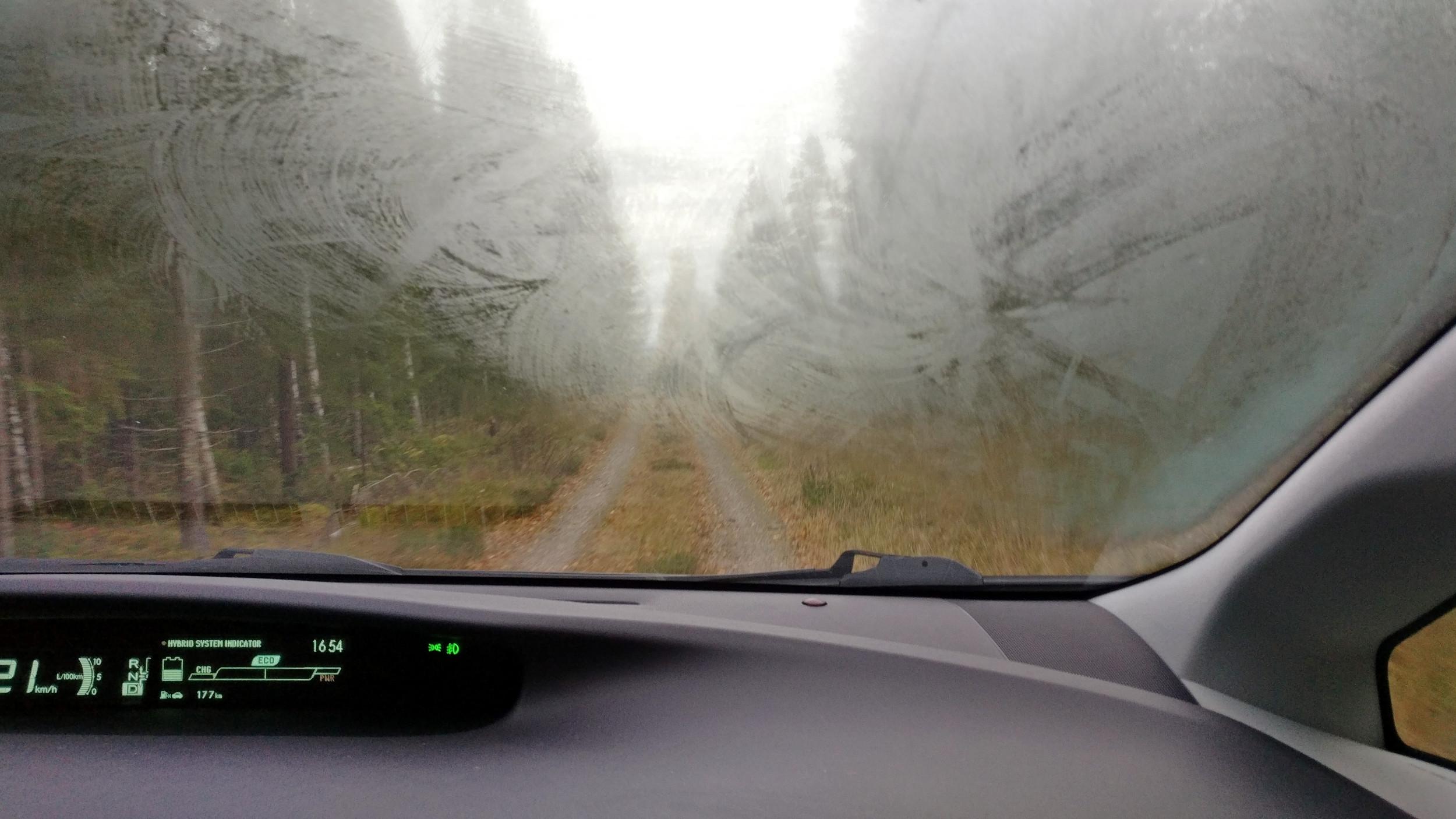 Почему запотевают окна в автомобиле