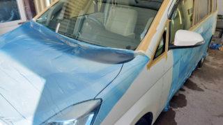 Убираем налет со стекол Toyota Isis