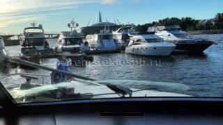 Полировка стекол прогулочной яхты