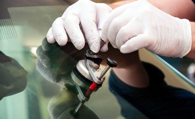Ремонт лобового стекла Ferrari