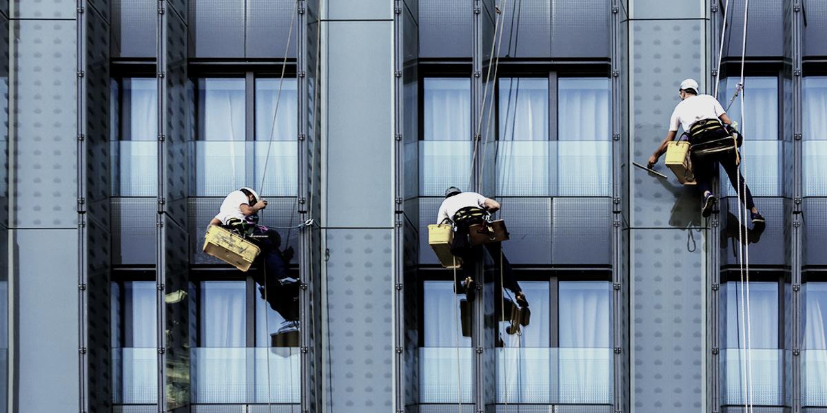 Мойка окон лоджии и балкона в Санкт-Петербурге