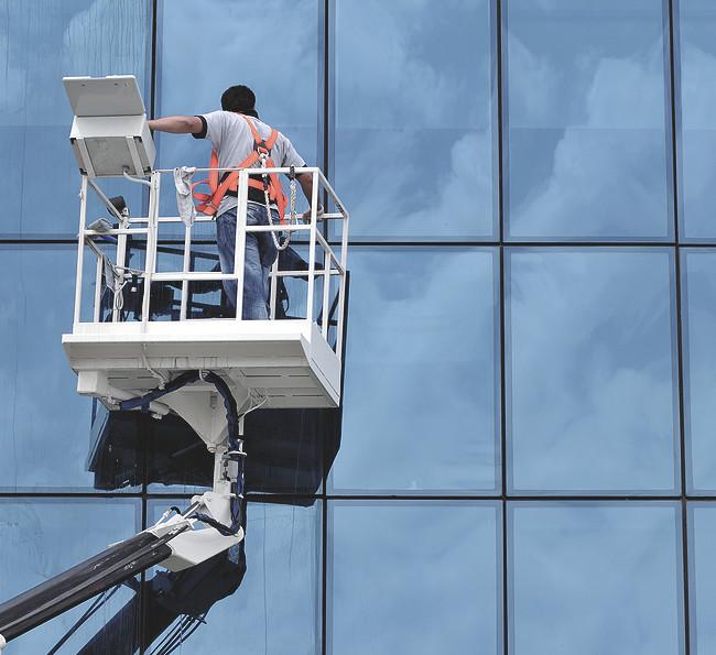Полировка остекления зданий и сооружений